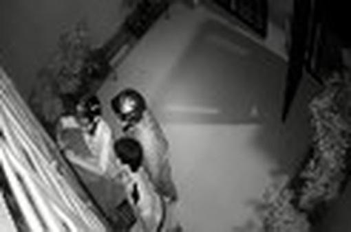 Trộm đột nhập tiệm bạc lúc nửa đêm khoắng tài sản trị giá tiền tỷ