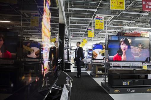 Ông trùm bán lẻ Nhật Bản thành tỷ phú nhờ khách Trung Quốc