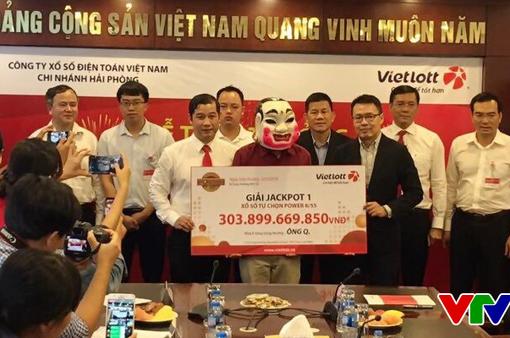 Vietlott trao giải hơn 303 tỷ đồng cho khách hàng trúng thưởng