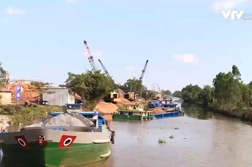 5 bến vật liệu không phép ở Tiền Giang: Trách nhiệm ở đâu?