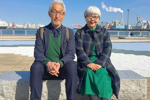 Cặp vợ chồng nổi tiếng ở tuổi U70 vì… mặc đồ đôi tuyệt đẹp