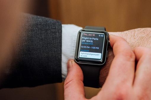 """Apple, Xiaomi chia nhau """"miếng bánh"""" to nhất trong thị trường thiết bị đeo thông minh"""
