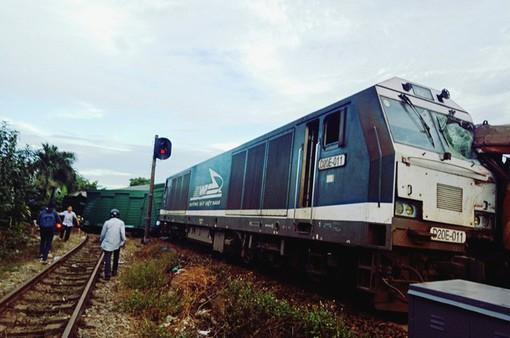 Đường sắt Bắc - Nam thông tuyến sau vụ 2 tàu hàng đâm nhau