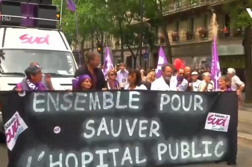 Biểu tình trên toàn nước Pháp