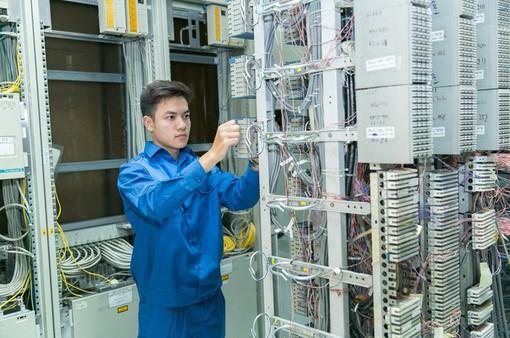 Bộ trưởng Bộ TTTT kiểm tra công tác đảm bảo thông tin liên lạc dịp Tết