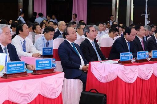 Thủ tướng dự Hội nghị xúc tiến đầu tư tỉnh Sóc Trăng