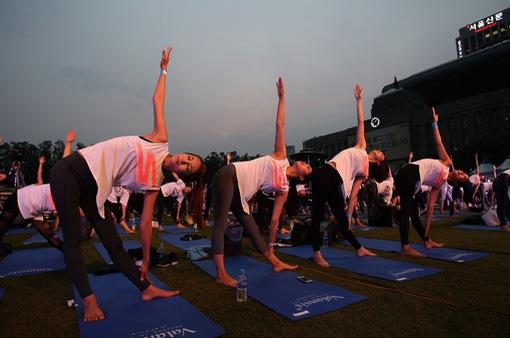 1.500 người tham gia tập Yoga tại Hàn Quốc