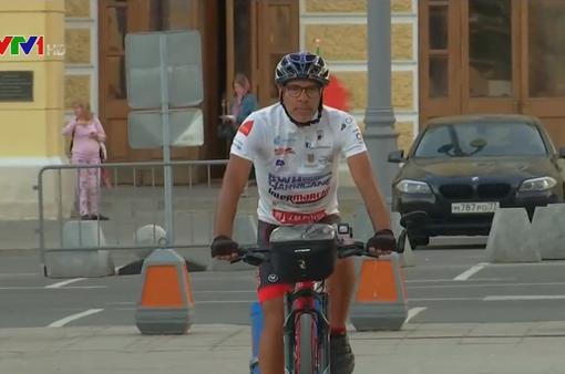 CĐV Bồ Đào Nha đạp xe hơn 5.000km để tới Nga xem World Cup 2018