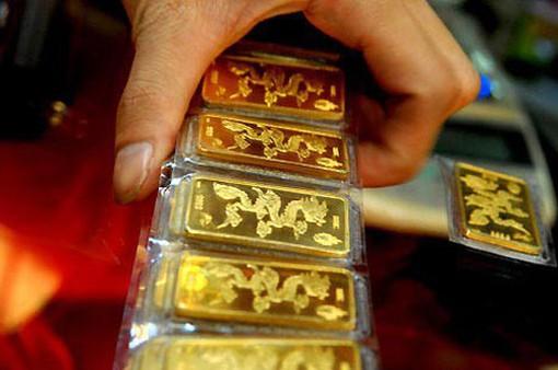 Giá vàng trong nước đắt hơn vàng thế giới