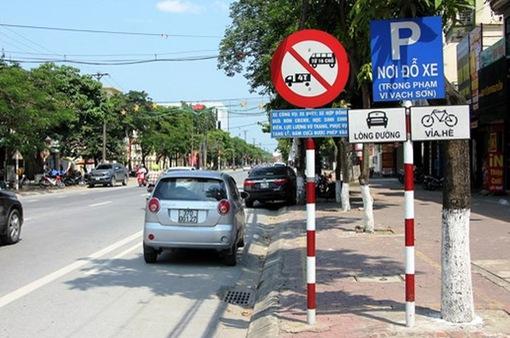 Hà Nội đề xuất gắn biến cấm dừng, đỗ ở một số tuyến đường