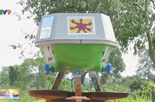 Máy rửa tay thế hệ mới đảm bảo vệ sinh cho người tỵ nạn