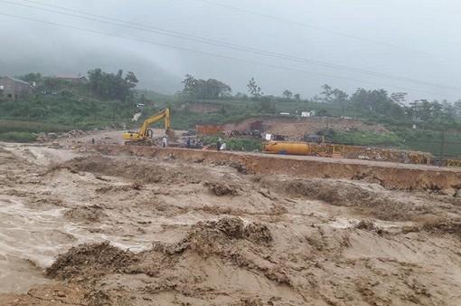 Điện thăm hỏi nhân dân các tỉnh miền núi phía Bắc bị thiệt hại do mưa lũ