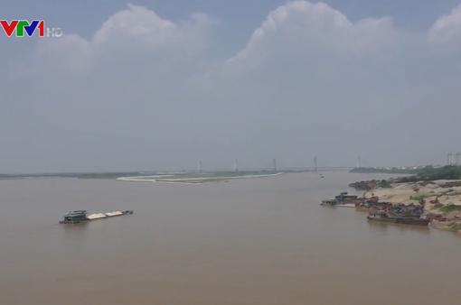 Đóng luồng sông Hồng đoạn qua Hà Nội để thi công ống ngầm