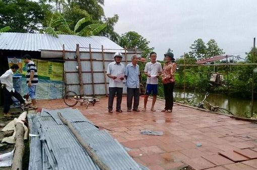 Khắc phục nhà cửa bị thiệt hại do dông lốc tại Cần Thơ