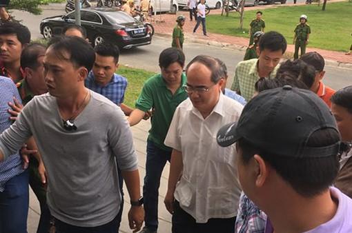 Bí thư Thành ủy TP.HCM thăm khu tái định cư cho người tạm cư tại quận 2