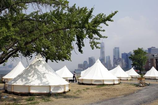 Ngắm toàn cảnh New York từ những chiếc lều xa xỉ