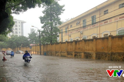 Khu vực Bắc Bộ, Thanh Hóa - Hà Tĩnh tiếp tục mưa lớn, nguy cơ lũ quét, sạt lở đất