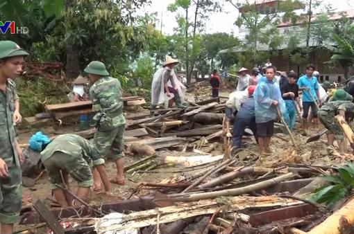 Hỗ trợ những gia đình thiệt hại do mưa lũ ở Bắc Trung Bộ và miền núi phía Bắc