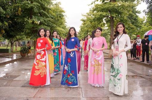 TRỰC TIẾP Chung khảo phía Bắc Hoa hậu Việt Nam 2018 (20h00, VTV6)