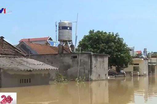 Hà Nội: Hơn 100 hộ dân bị cô lập do mưa lũ