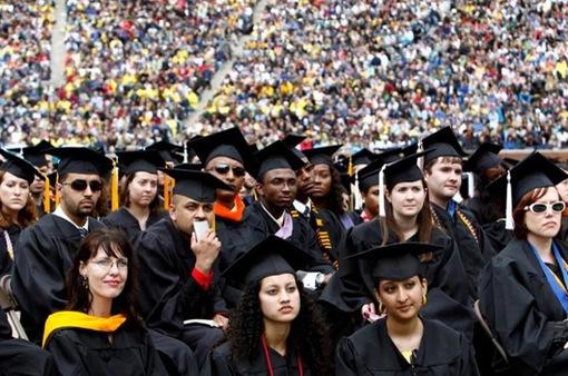 Nợ vay sinh viên tại Mỹ tăng lên mức kỉ lục