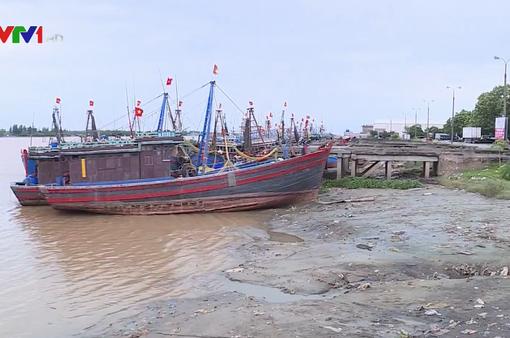 Thanh Hóa kêu gọi tàu thuyền vào nơi tránh trú bão số 4
