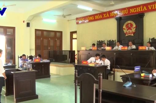 """Hoãn xét xử vụ lấy tiền """"âm phủ"""" bỏ vào quỹ, tham ô tài sản tại Trường Chính trị tỉnh Phú Yên"""