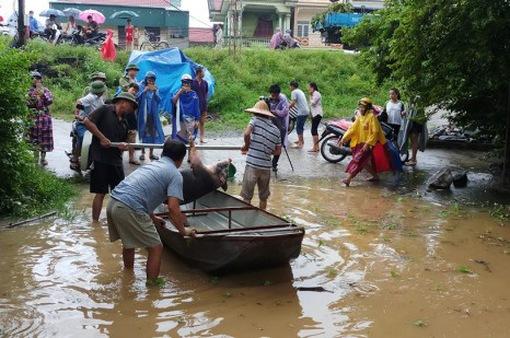 Thanh Hóa di dời hàng nghìn người dân đến nơi an toàn