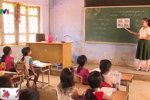 Hàng trăm giáo viên mất việc trước thềm năm học mới