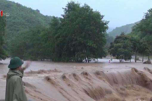 Bá Thước (Thanh Hóa) vị chia cắt do mưa lũ