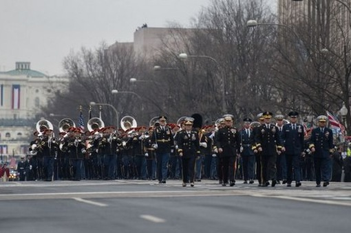 Mỹ hoãn diễu binh vì chi phí tốn kém