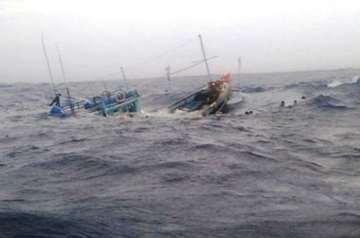 5 ngư dân trên tàu cá Bình Thuận mất liên lạc