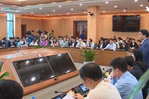 Lãnh đạo TP Hà Nội gặp mặt hơn 100 trí thức trẻ người Việt ở nước ngoài