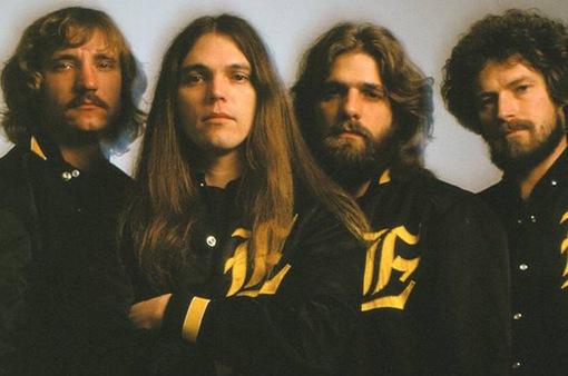 Vượt qua Michael Jackson, album của ban nhạc Eagles trở thành album bán chạy nhất mọi thời đại