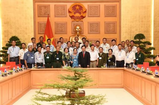 Phó Thủ tướng Phạm Bình Minh tiếp Đoàn người có công tỉnh Kiên Giang