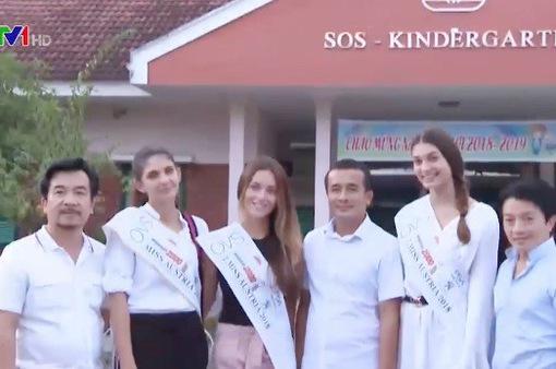 Hoa hậu Áo làm từ thiện tại Quảng Bình