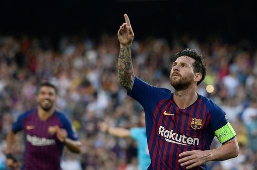 Messi rực sáng Champions League, Neymar và Ronaldo mất hút