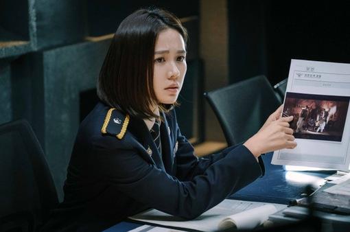 """Giải mã hai thái cực đối lập Son Ye-jin và Hyun Bin trong """"Cuộc đàm phán sinh tử"""""""