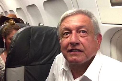 Tổng thống đắc cử Mexico bị mắc kẹt 4 tiếng trên máy bay