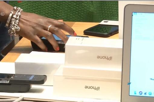 iPhone mới chính thức lên kệ tại Mỹ