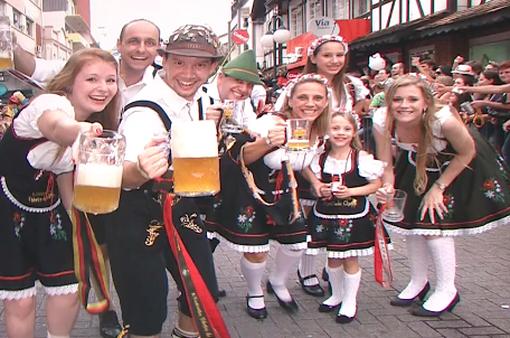 Lễ hội bia lớn nhất thế giới Oktoberfest khai mạc tại Đức
