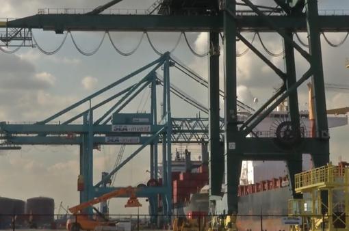 Châu Âu e ngại việc Trung Quốc thâu tóm hàng loạt cảng biển