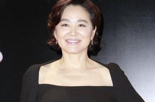 Lâm Thanh Hà ly hôn ở tuổi 63, nhận 350 triệu USD