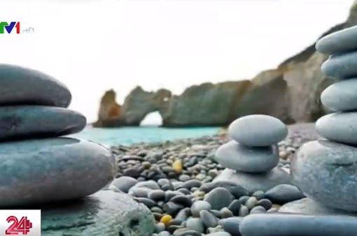 Du khách bị phạt đến 1.000 Euro nếu lấy sỏi ở bãi biển Hy Lạp
