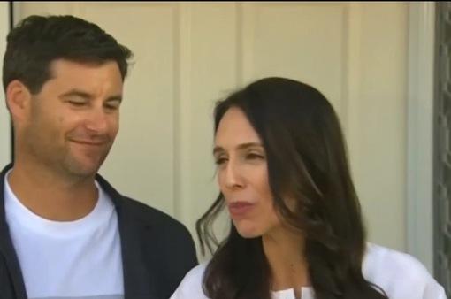 Thủ tướng New Zealand có bầu: Tôi không phải phụ nữ đầu tiên làm nhiều việc một lúc!