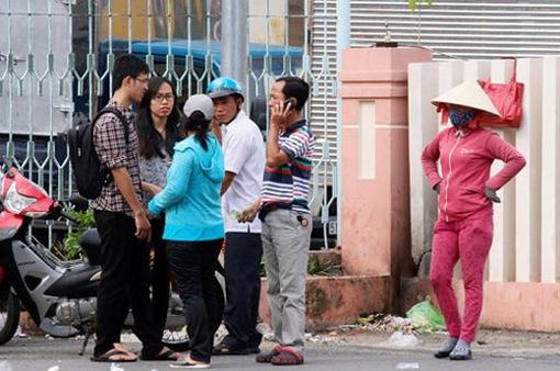 """Tái diễn nạn """"cò"""" vé tàu Tết tại ga Sài Gòn"""