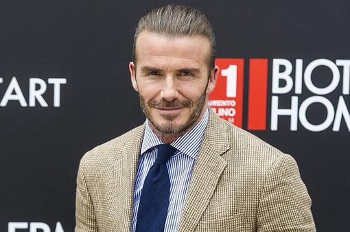 """Tuyên bố thích """"già tự nhiên"""", David Beckham trực tiếp phủ nhận tin đồn chỉnh sửa"""
