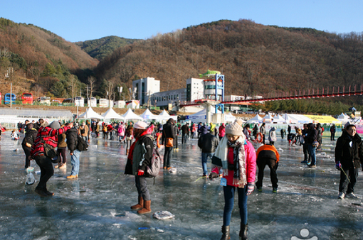 Lễ hội băng ở Hàn Quốc lập kỷ lục về lượng khách tham quan