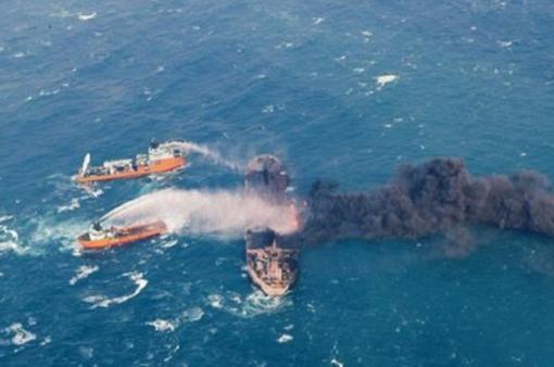 Dầu từ tàu đắm của Iran bao trùm hơn 100km2 mặt biển