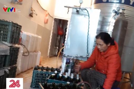 """Rùng mình """"công nghệ"""" sản xuất rượu vang Tết siêu tốc"""